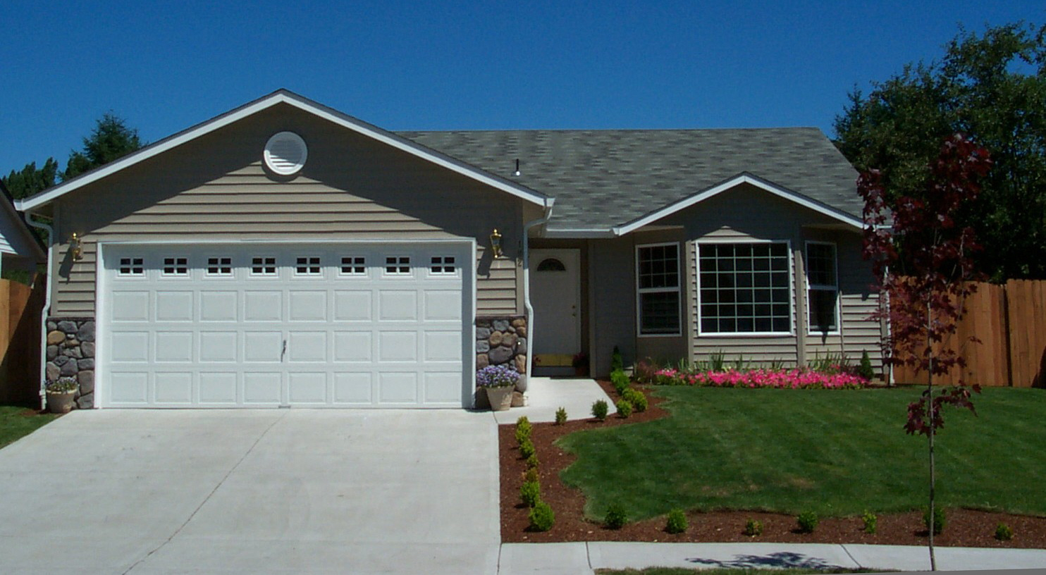 Germain insurance new hampshire home insurance experts for Homes with big garages for sale